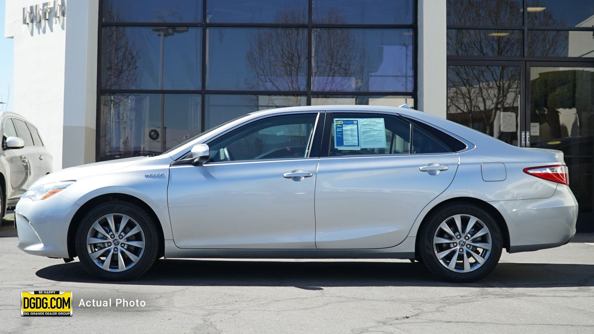 Pre-Owned 2016 Toyota Camry Hybrid Hybrid XLE