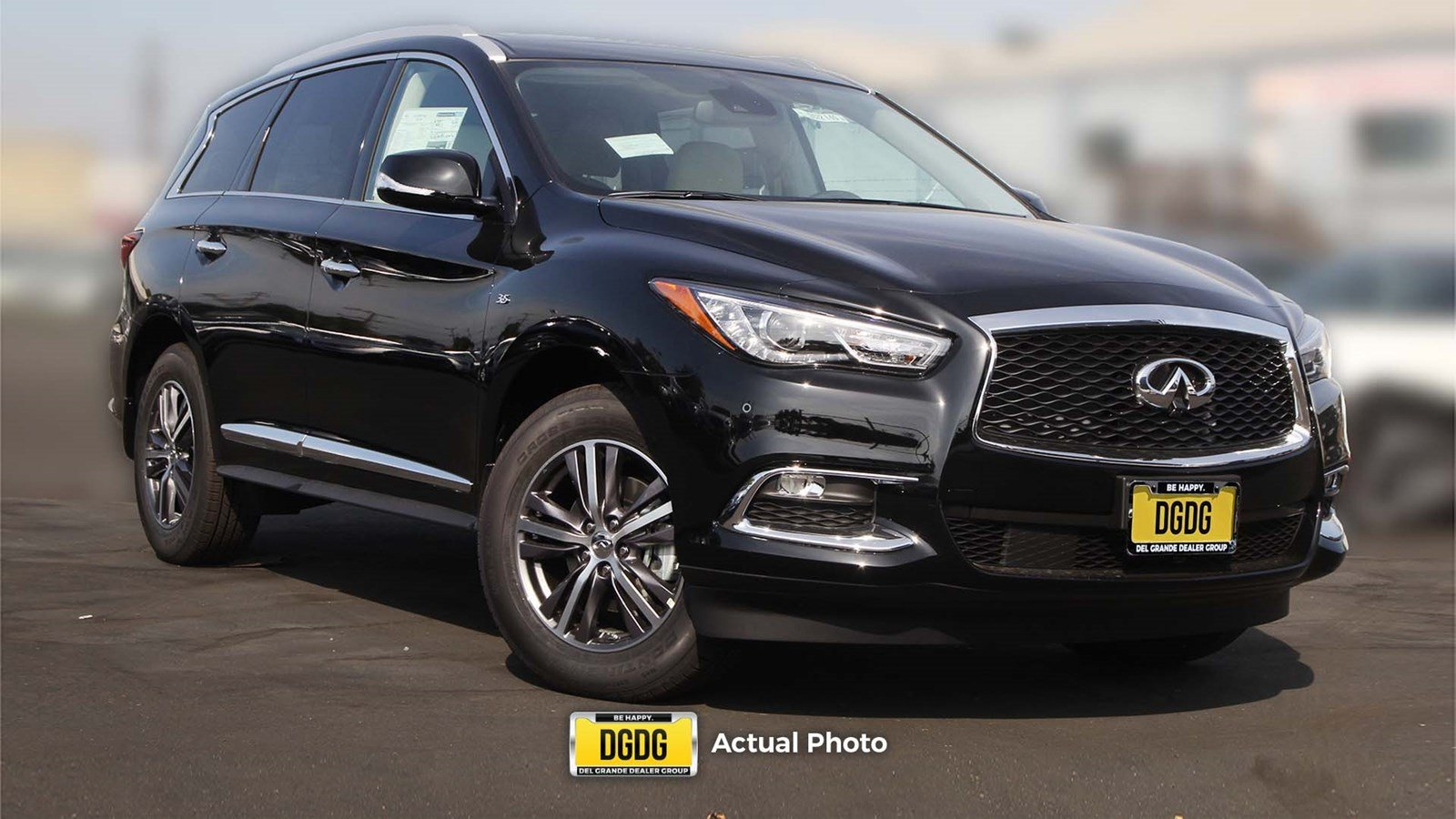 2019 INFINITI QX60 LUXE Essential Package AWD