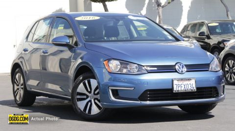 Pre-Owned 2016 Volkswagen e-Golf SE FWD Hatchback